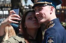 Русия истифода аз смартфонҳо барои сарбозонро манъ кард