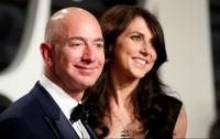 """Талоқи 36 миллиард долларӣ:Ҷеф Безос ҳамчунон мудири ширкати """"Амазонка"""" боқӣ монд"""